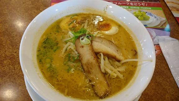 炙り叉焼と黒マー油の味噌ラーメン.JPG